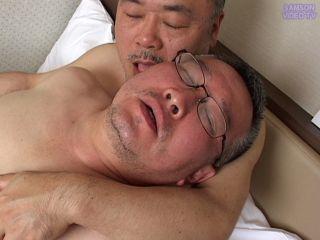 独身ノンケ50代(1)54歳の巨根ノンケ中年が男初体験!