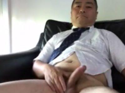 【中年動画】かっこいい中年リーマンのオナニー!